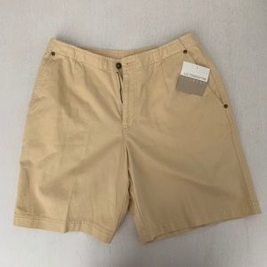 liz claiborne pastel yellow shorts